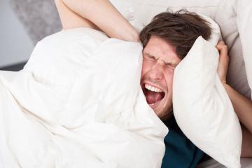 Condomínio pede que casais façam amor com menos barulho e gritos